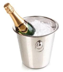 Champagnerflasche im Eiskübel